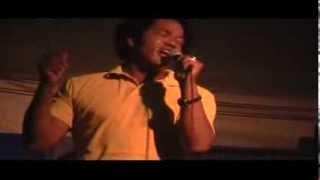 Robert Washington sings 'Hurt' at Elvis Week 2006 ELVIS PRESLEY SONG