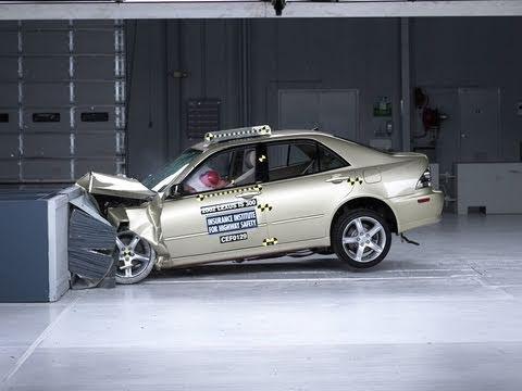 2002 Lexus IS 300 Overlap Crash Test Video