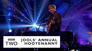 Ed Sheeran – Layla with Jools Holland & His Rhythm & Blues Orchestra