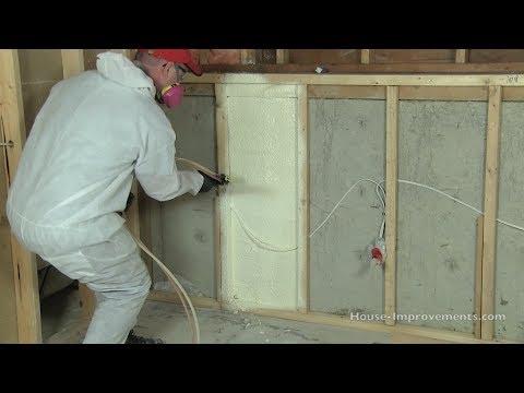 Напыление пенополиуретана на стены