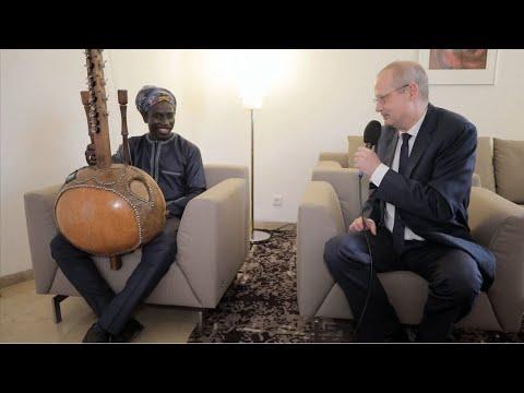 L'hymne européen, un symbole d'espoir : regards croisés entre S.E. Stephan Röken et Edouard Manga