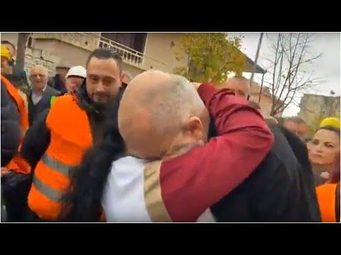 """""""Avash se me mbyte, me bere gjithe suva"""": Rama, vizite ne Shijak pas thirrjes se Arben Meçes"""