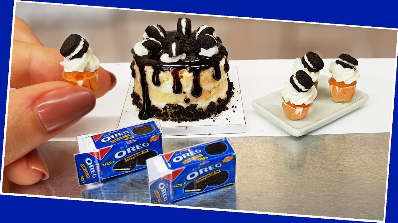 Real, mini Oreo cakes