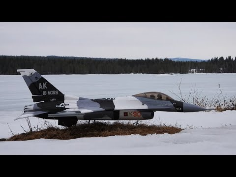 freewing-f16-arctic-camo-4000-mah-6s-lipo-maiden-flight-on-ice