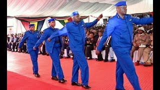 New police uniform: Kenyans take issue - PHOTOS & VIDEO