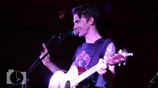 Drake Bell Corrects The Crowd