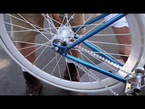 FIXIE Chain Tightening - Flip Flop Hub - Single-Speed Fixed Gear - Pt 1- BikemanforU