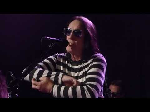 Todd Rundgren - Muskrat Love (Captain & Tennille)