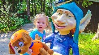 Зума Щенячий Патруль и Настя в парке Липриконов Zuma Paw Patrol fun play in amusement park