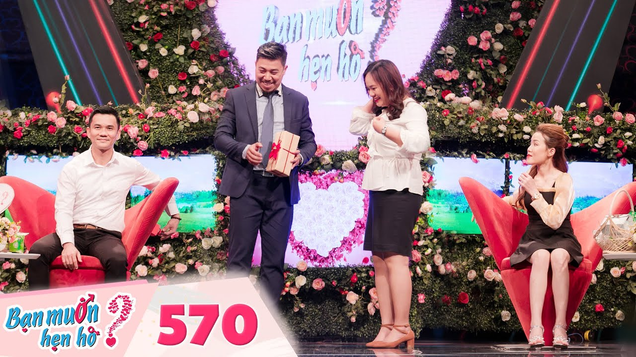 Bạn Muốn Hẹn Hò | Tập 570: Chủ tịch vác bao tải quà lên tặng cả trường quay làm mọi người thích thú