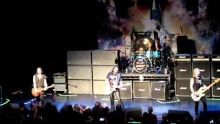 Ace Frehley New York Groove (Ace gets mad at lighting people)