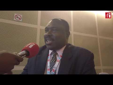 France jockeys for business in Africa