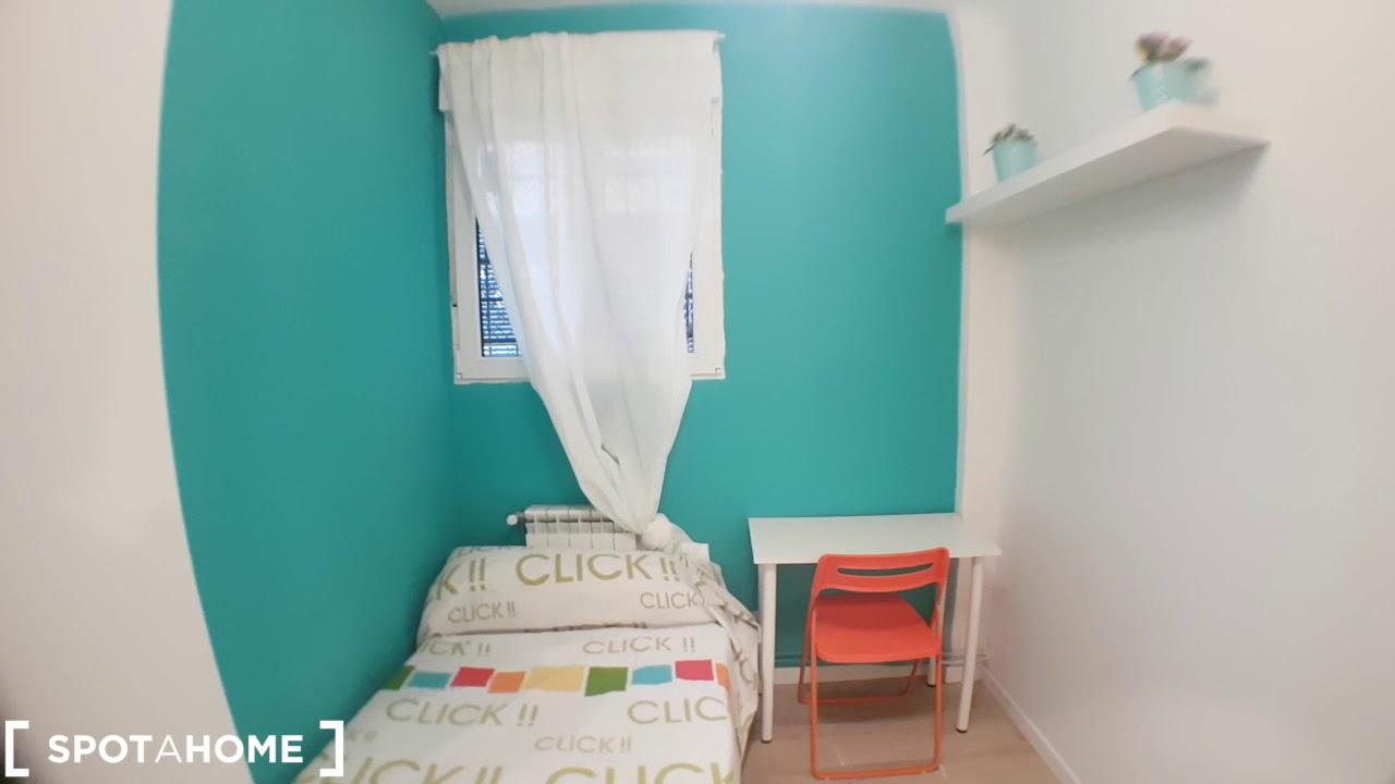 Sunny rooms for rent in modern flatshare in Aluche, near Casa de Campo