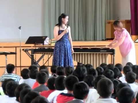 小学校訪問演奏『マリンバ説明』