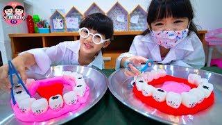 หนูยิ้มหนูแย้ม | คุณหมอช่วยถอนฟัน Dentist Kids Role Play