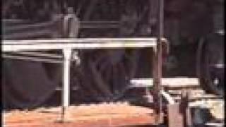 preview picture of video 'Mikado 141TD740 - Sur la table tournante de Ussel'
