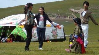 ཨ་མདོ   Dancing on the Tibetan Plateau