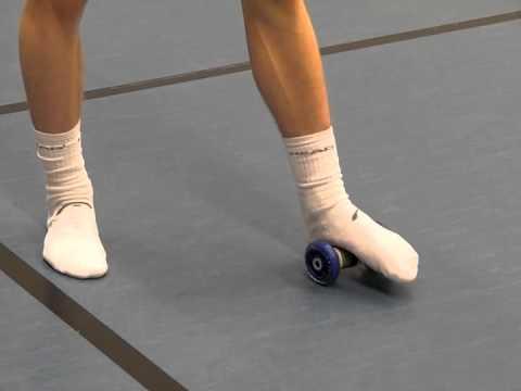 Der Schmerz auf dem Kern des Daumens des Beines