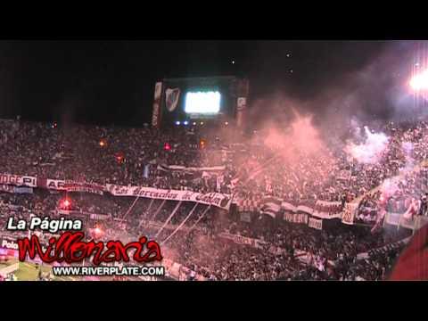 """""""Sólo le pido a Dios..."""" - Hinchada River Plate"""" Barra: Los Borrachos del Tablón • Club: River Plate • País: Argentina"""
