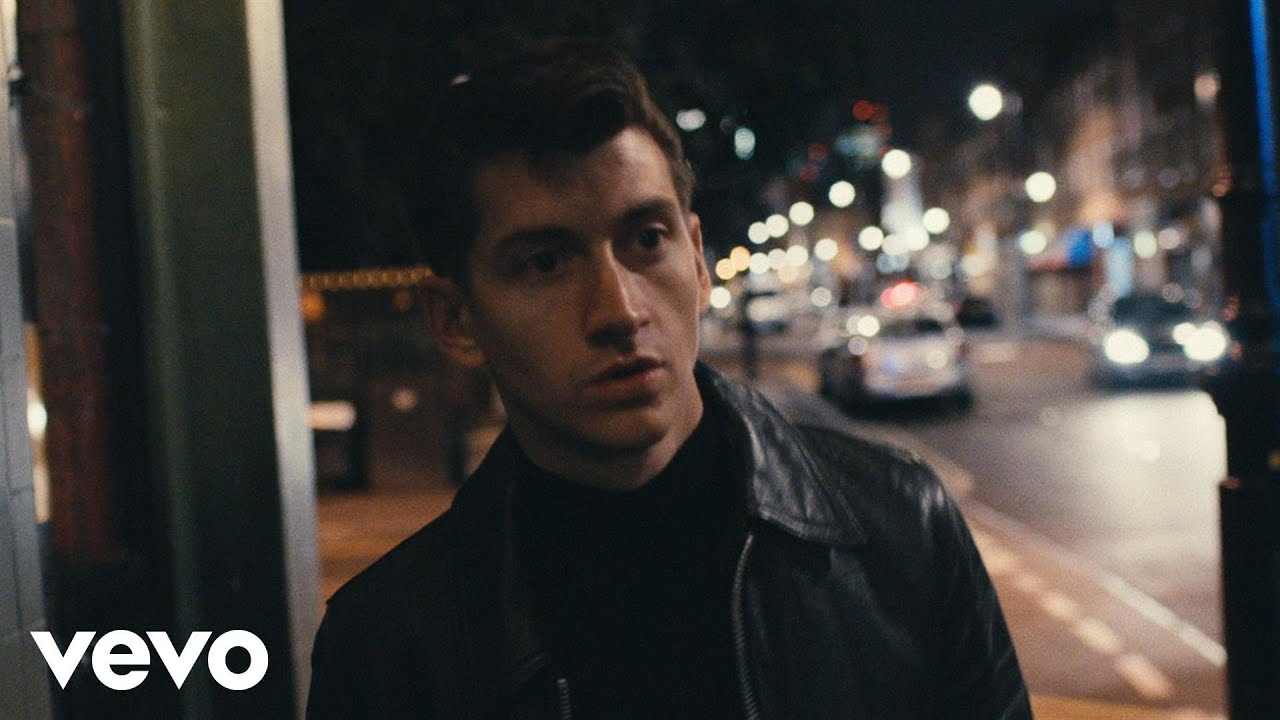 Lirik Lagu Whyd You Only Call Me When Youre High? - Arctic Monkeys dan Terjemahan