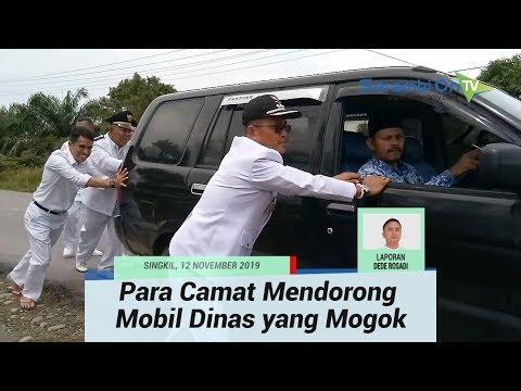 Ketika Para Camat di Aceh Singkil Bersama sama Mendorong Mobil Dinas yang Mogok