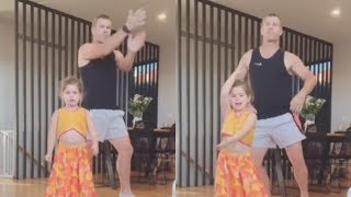 David Warner Dancing With Cute Babies & His Wife During Lock Down | Last Page Readers