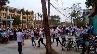 Nam sinh tỏ tình bằng flash mob bị từ chối tại Thanh Hóa