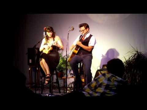 Victor & Penny - Rickshaw Chase