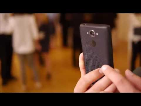 Motorola DROID Turbo demo