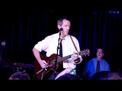 Hugh Laurie - The whale has swallowed me & chat (LIVE in Hamburg) HQ