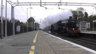 preview picture of video 'Black Fives 44871 and 45305 passing Bushey'