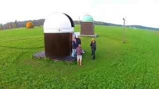 Teet ja Kristjan observatooriumeid kaemas.