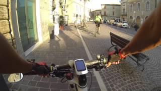 preview picture of video 'Luca e Giovanni in mtb a Camerano, Sirolo e Numana - 12.8.2014 (2)'