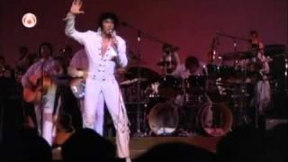 Elvis scares background singer