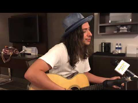 Jason Castro Performs Hallelujah