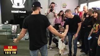 Thomas Rhett's Wife Lauren Surprises Him At Los Angeles Pop Up Shop