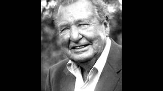 """Phil Harris Sings """"That's What I Like About The South"""""""
