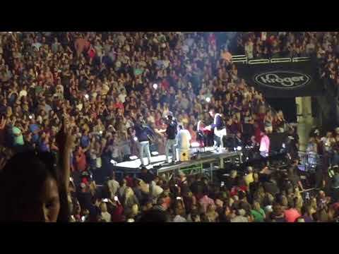 Thomas Rhett Marry Me: Live At The KFC Yum Center In Downtown Louisville, KY