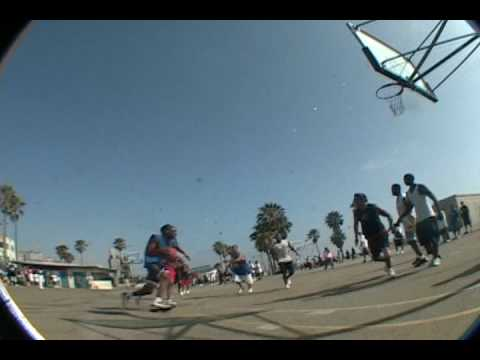 Real nice dunk at Venice Beach