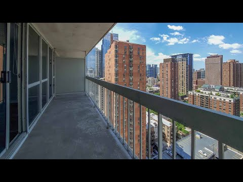 A west-view K-tier one-bedroom on the River North / Gold Coast border