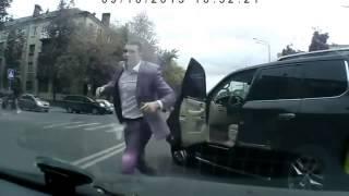 Быки на дороге в Ярославле сентябрь 2013  дтп аварии на видеорегистратор
