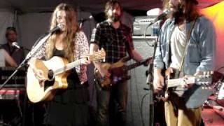 Angus & Julia Stone - Bonnaroo 2010 - Here We Go Again