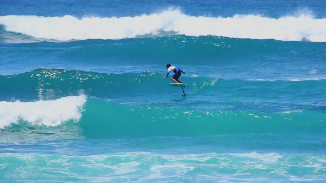 Surf Foil - Rémi Quique in Bali