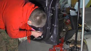 2001 Ford Explorer Sport Trac - Door Latch - Reassembly