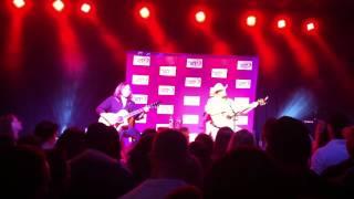 Chris Cagle Wal-Mart Parking Lot Live Acoustic Encore 4/11/12