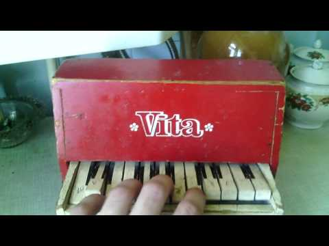 #МашинаВремени//Детское пианино Vita / Антиквариат