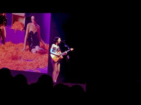St. Vincent - Smoking Section (Live Debut) 10/7/17 Paramount Studios, Los Angeles