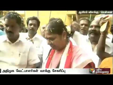 ADMK-candidates-in-door-to-door-campaigning-at-Thousand-Lights-and-Kodambakkam