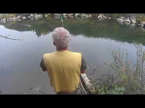 La pesca sul fiume che impara in sukharevo