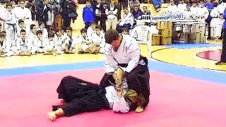 preview picture of video 'VESTINA KARATE CLUB: Esibizione Ju Jitsu, 6-12-14 Penne (PE)'